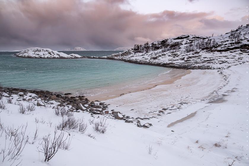 plage senja tromso hiver Norvège fjord turquoise