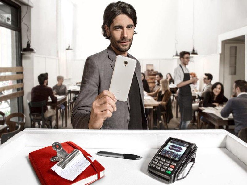 Come fare shopping in modo pratico e veloce con Vodafone Pay