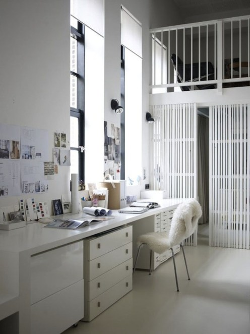 All-white-working-corner-with-a-lot-of-natural-light-home-office-design