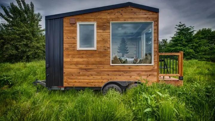 Acorn Tiny House by Backcountay