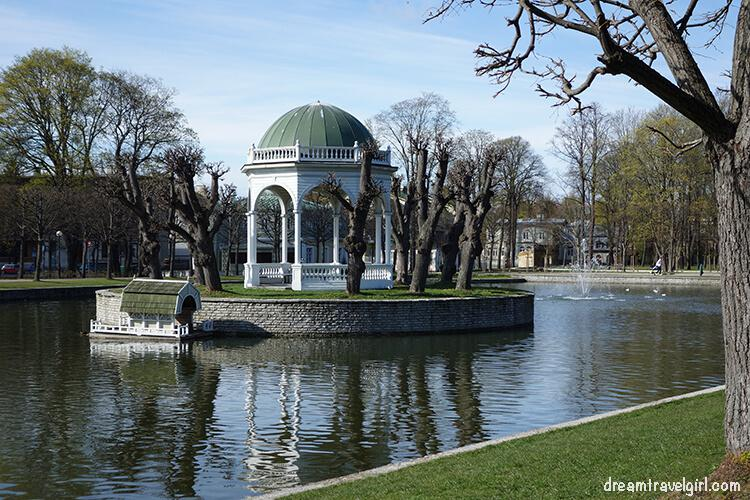 park in Kadriorg area