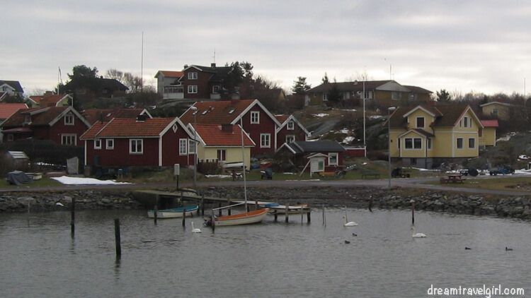 island nearby the city