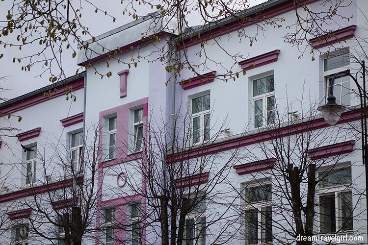 Estonia_Narva_recent-building_BIG