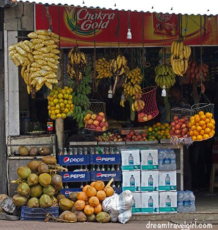 India_Kanyakumari_fruit_shop