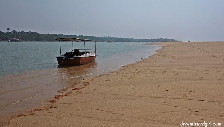India_Kerala_Poovar_backwaters07