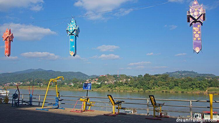 Border crossing Chiang Khong - Huay Xai