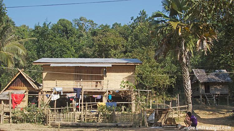 Laos_Huay-Bo_village01