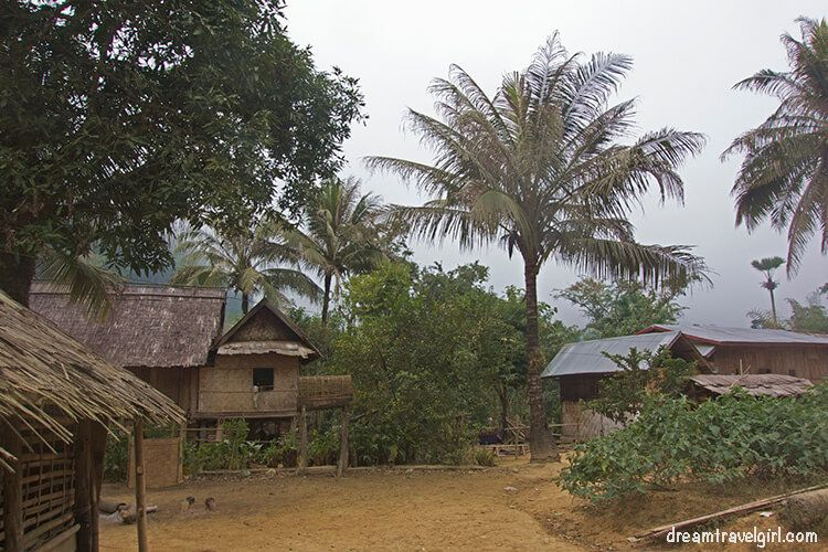 Laos_Huay-Bo_village03