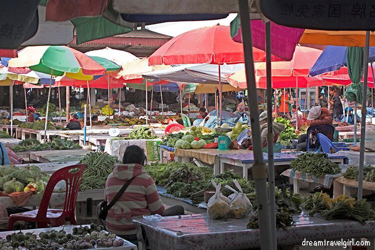 Laos_Luang-Namtha_market