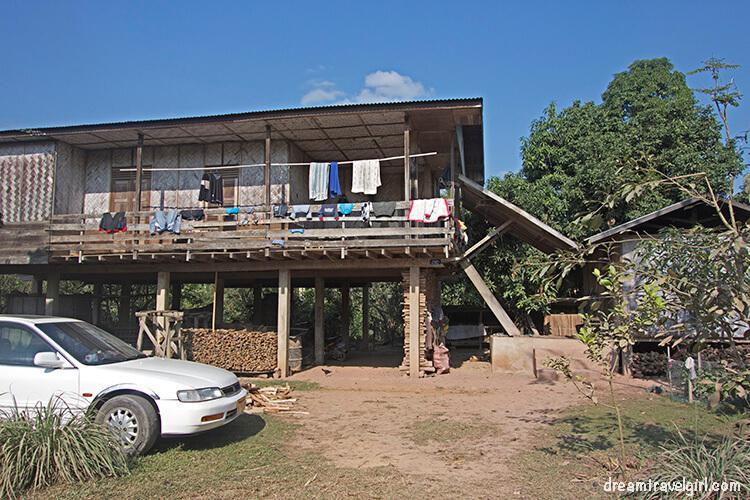 Laos_Luang-Namtha_tribe-villages01