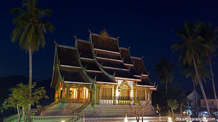 Laos_Luang-Prabang_Haw-Pha-Bang3