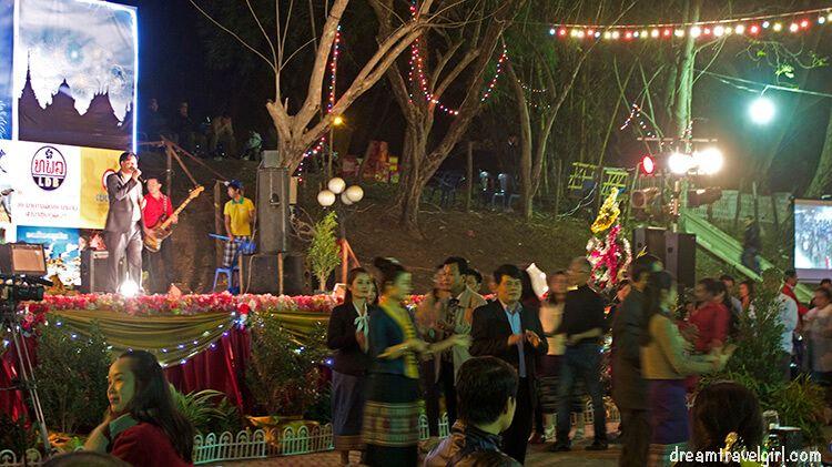Laos_Luang-Prabang_new-year-celebration-2015