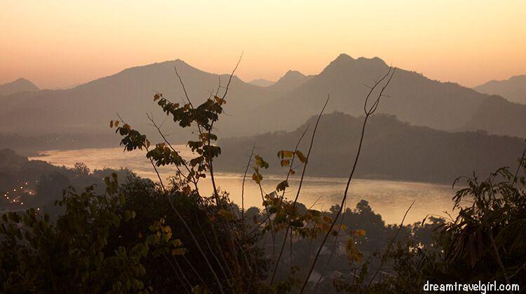 Laos_Luang-Prabang_sunset-Mekong