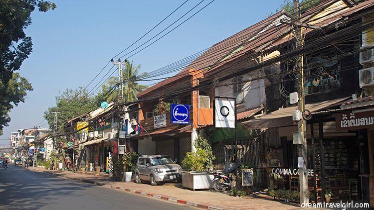 Laos_Vientiane_street01