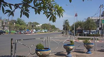 Experimental travel in Vientiane, Laos