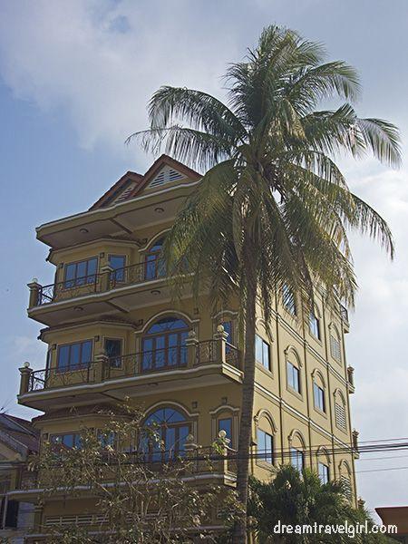 Cambodia_Kampot_architecture-colonial-building