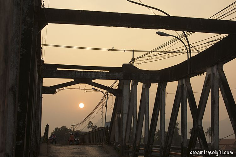 Cambodia_Kampot_sunset-bridge