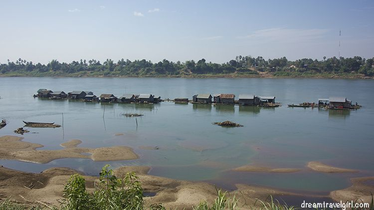 Cambodia_Kratie_Koh-Trong_floating-village6
