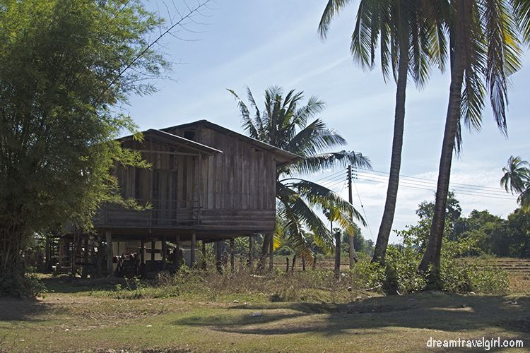 Laos_4000islands_Don-Khon_village4