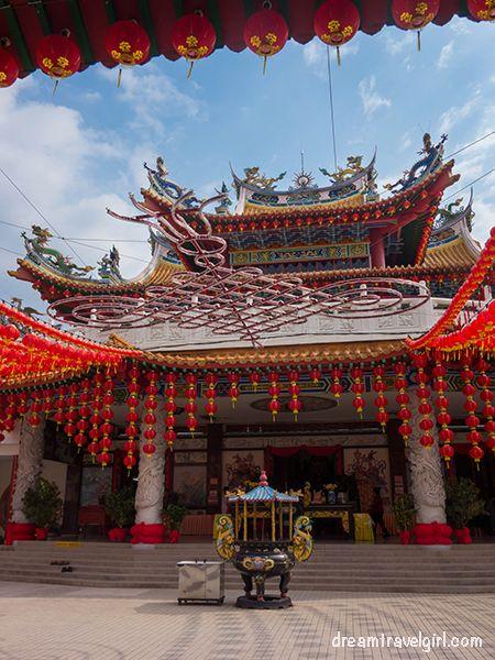 Malaysia_Kuala-Lumpur_chinese-temple03