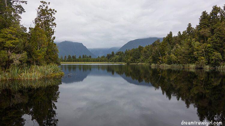 New-Zealand_Fox-village_lake-Matheson07