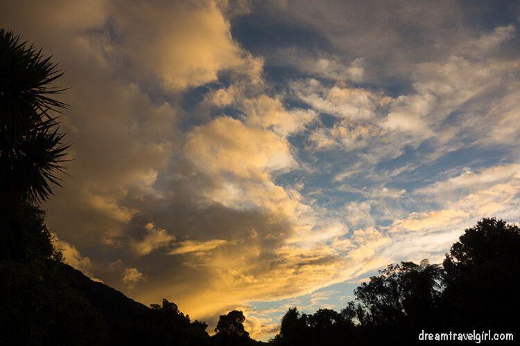 New-Zealand_Franz-Josef_sunset-clouds