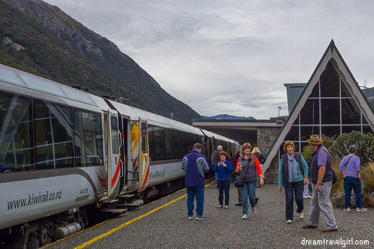 New-Zealand_TranzAlpine14_Arthurs-Pass