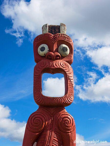 New-Zealand_Rotorua_Ohinemutu01