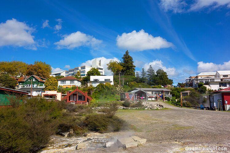 New-Zealand_Rotorua_Ohinemutu02_village
