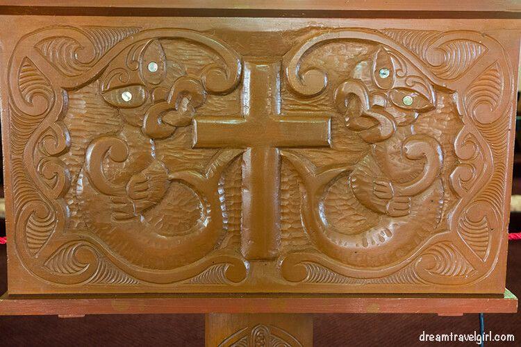 New-Zealand_Rotorua_Ohinemutu05_Anglican-church_maori-carving