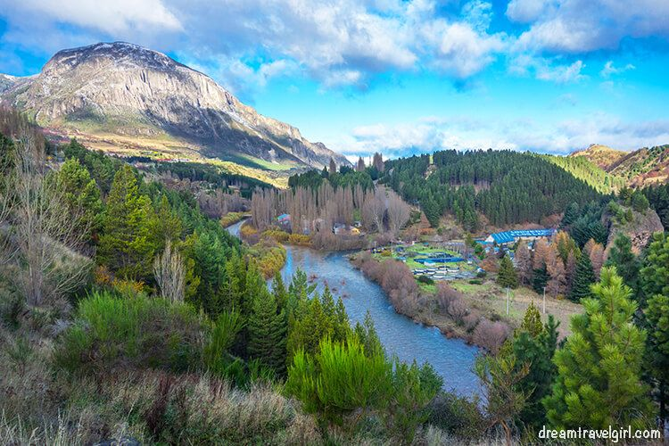 Chile_Patagonia_Coyhaique_mirador-rio-simpson_views01