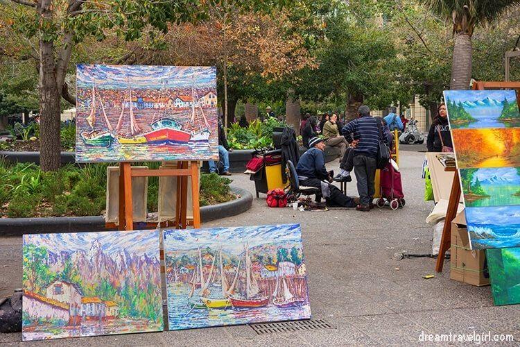 Chile_Santiago_plaza-armas-painters