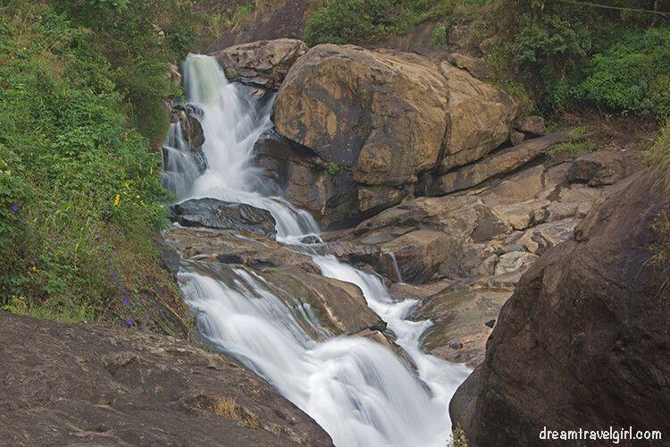 India_Munnar15_waterfall