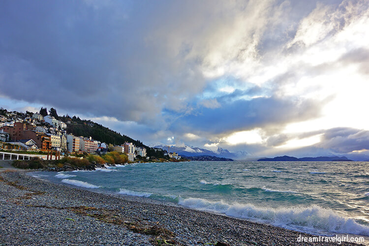 Bariloche: the city and the lake