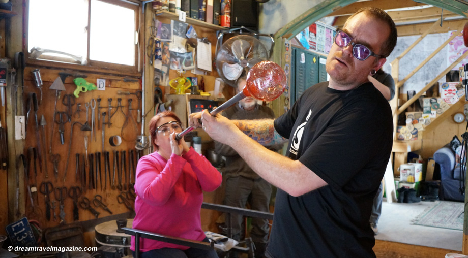 Glass-blowing-Artech-glass_Yours_outdoors_Haliburton_blow
