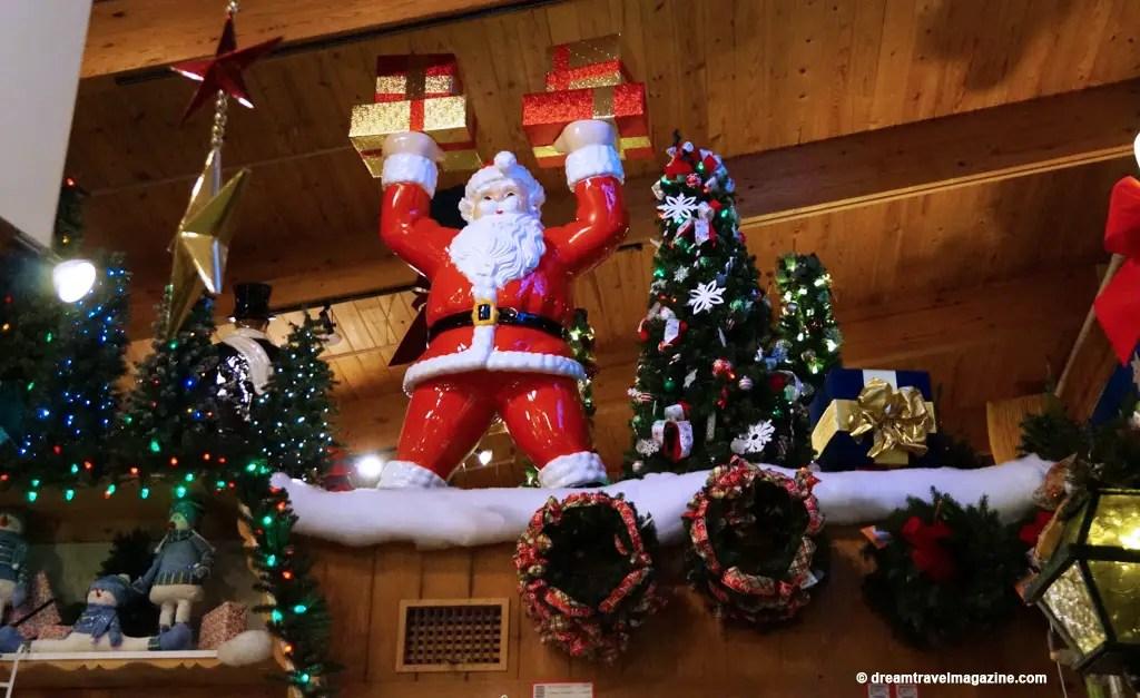 Bronners Christmas Wonderland-Michigan_dream-travel-magazine_08