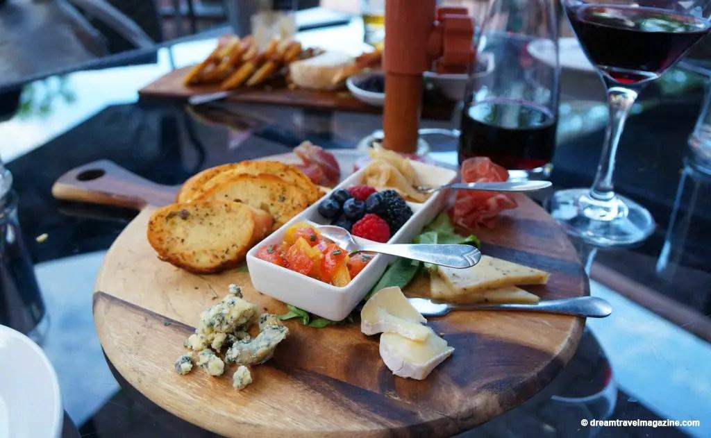 Era-67-Restaurant-Review-Downtown-Orillia--ontario-lakes-country-10