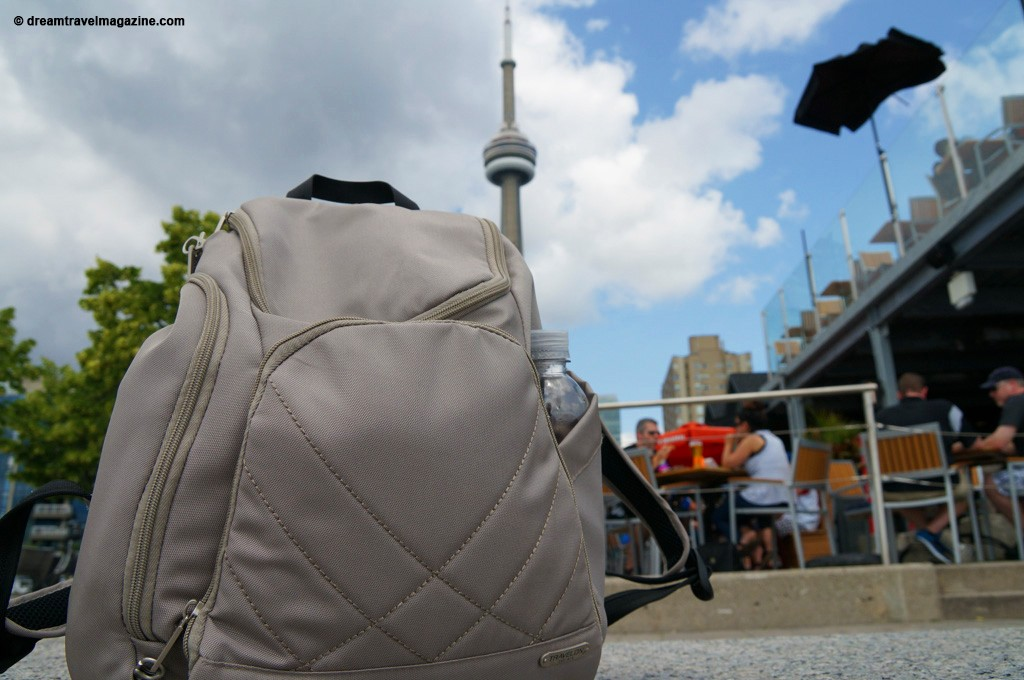 travel-review-travelon-classic-anti-theft-backpack_-4