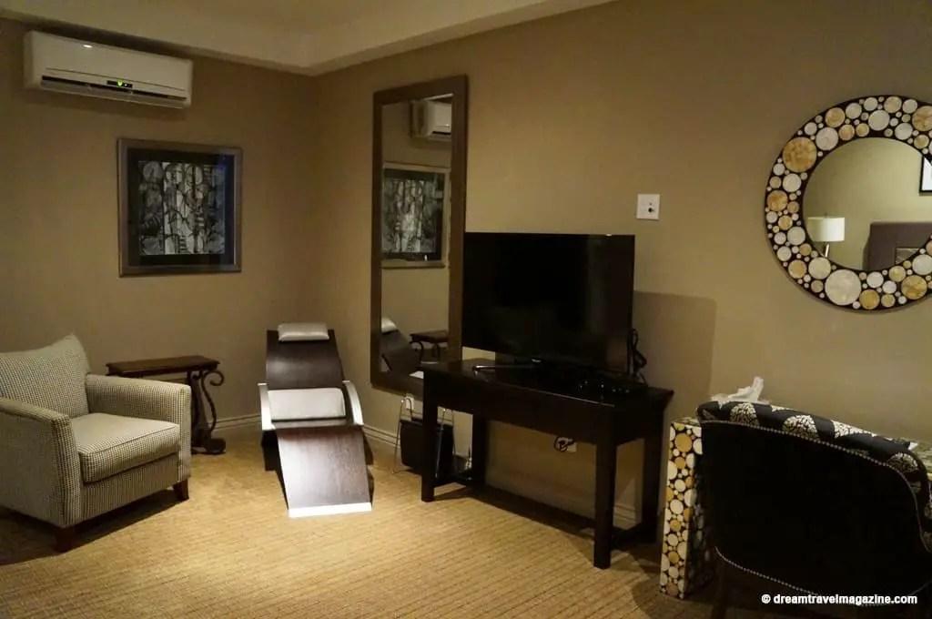 Ontario-Chatham-Retro-Suites-Hotel-review_05