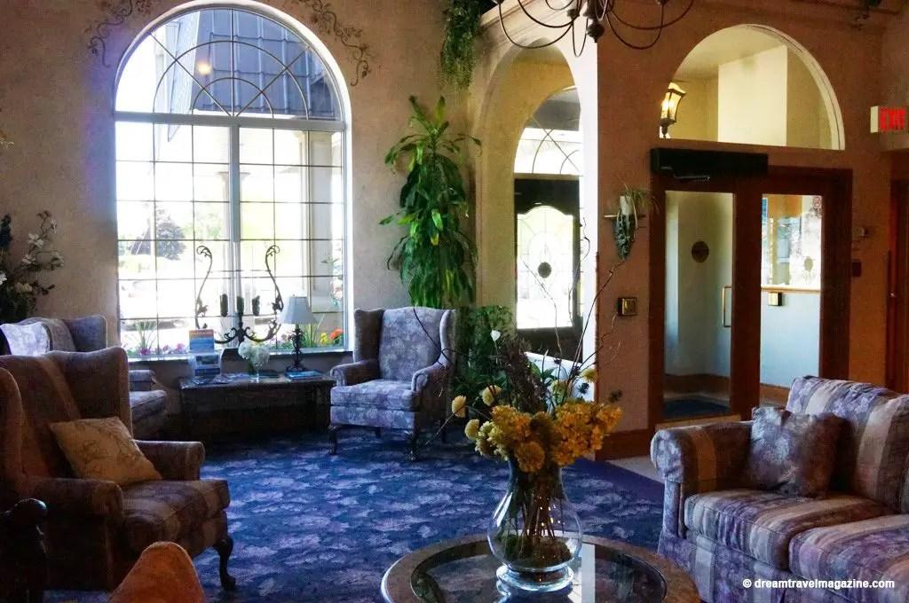 Orillia-Stone-Gate-Inn-Review-ontario-lakes-country-11