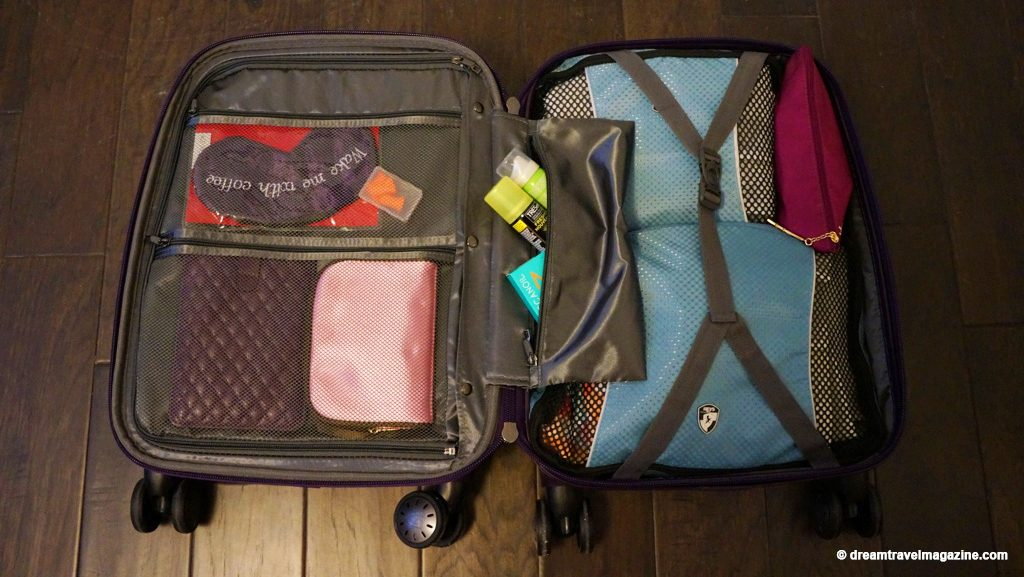 Heys-Smart-Luggage-Gateway-Carry-on-Bag-purple_Review_09