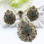 Bead and Crystal Jewelry Sets Antique Gold Color.Indian wedding set.