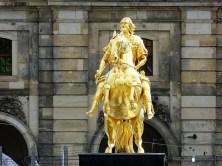 Goldener Reiter frontal