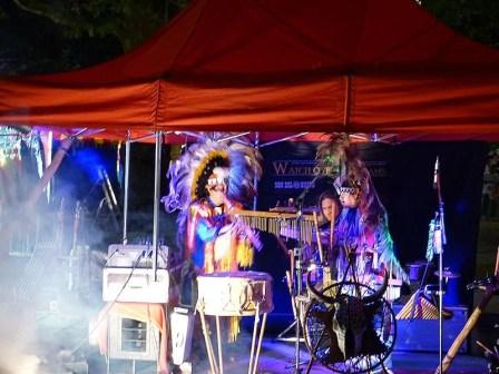 Indianer beim musizieren