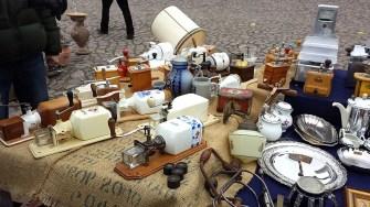 Elbeflohmarkt Dresden allerlei