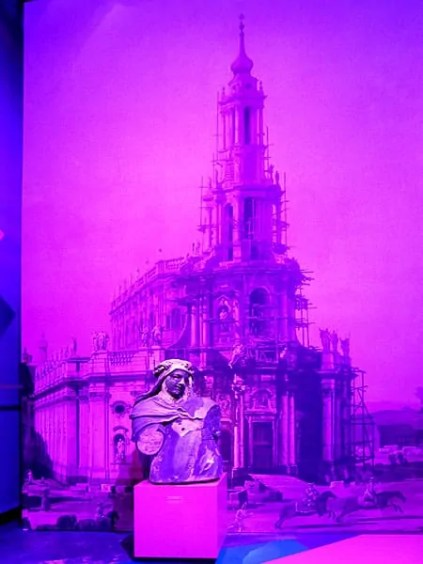 Büste vor der Frauenkirche