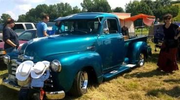 Oldtimer Pick-Up blau