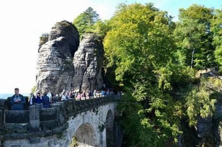 Ausflugsziel Bastei und Felsenburg Neurathen in der Sächsischen Schweiz Brücke