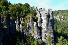 Gewaltige Felsformation Sächsische Schweiz