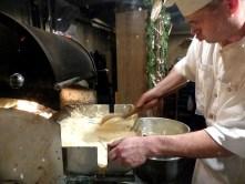So wird Baumkuchen gemacht